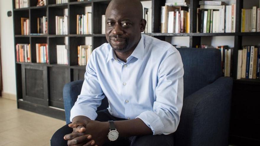 """El filósofo senegalés Felwine Sarr: """"África da más al mundo de lo que recibe"""""""