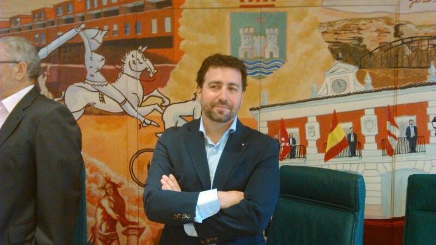 """Alcalde de Rivas (Madrid) dice que no dimitirá porque el código ético de IU distingue las """"querellas políticas"""""""