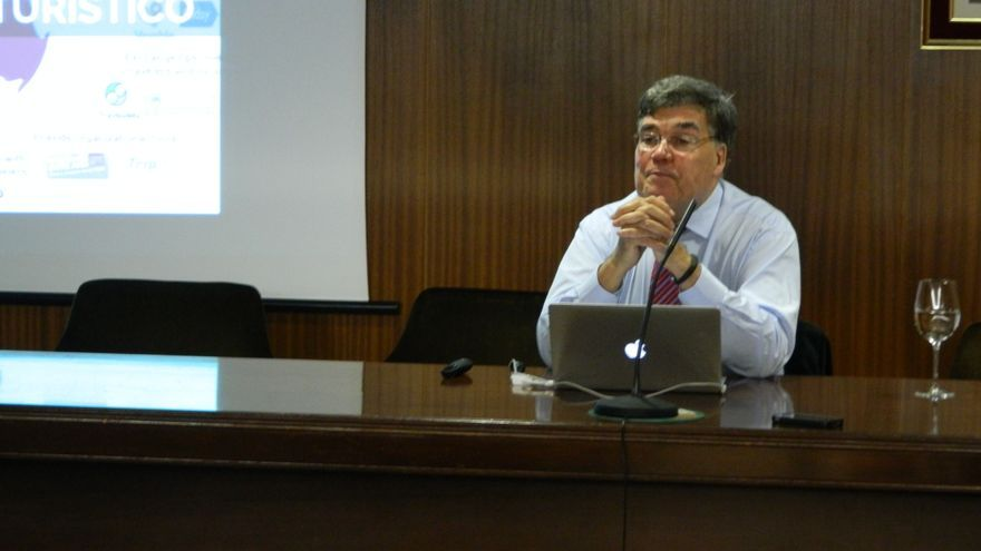 José Cabrera durante la conferencia que ofreció en el Colegio de Ingenieros Industriales de Canarias en Las Palmas de Gran Canaria.