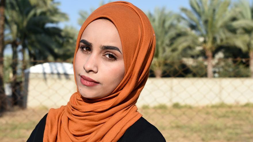 Naema lucha cada día en su trabajo contra el déficit de luz en Gaza