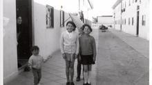 Niños en el barrio de la UVA de Vallecas, ca. 1960 / Fuente: Memoria Madrid