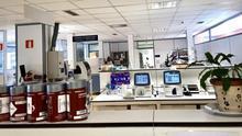 Muestras de coronavirus en botes en un laboratorio de Osakidetza