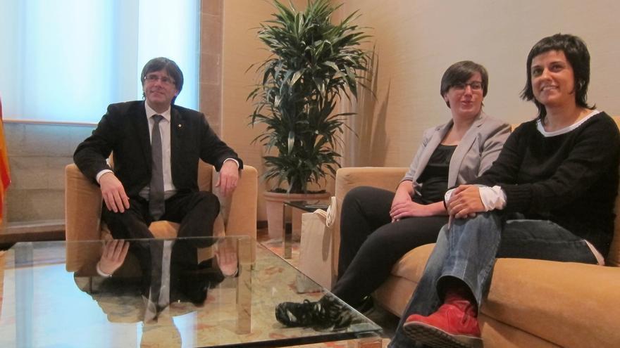 La CUP ofrece a Puigdemont ayudar a la internacionalización del proceso independentista