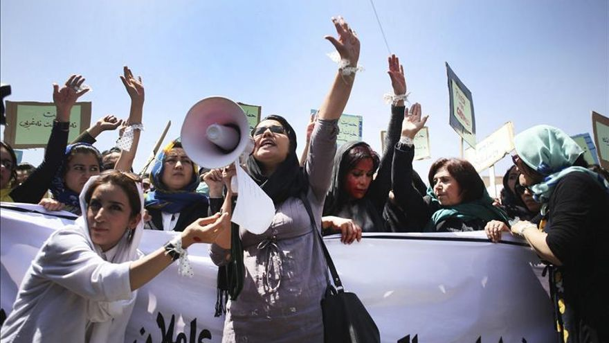 Cuatro condenados a muerte por linchar a afgana acusada de quemar un Corán
