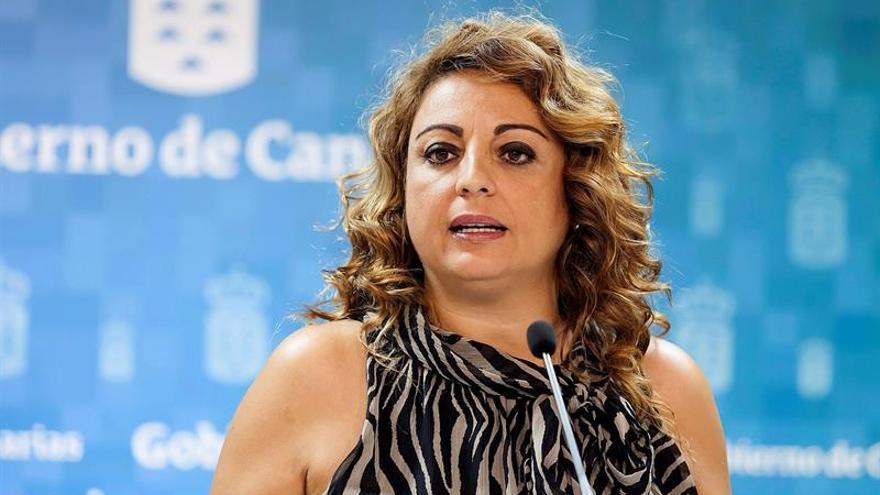 La consejera de Empleo, Políticas Sociales y Vivienda del Gobierno de Canarias, Cristina Valido. EFE/Ramón de la Rocha