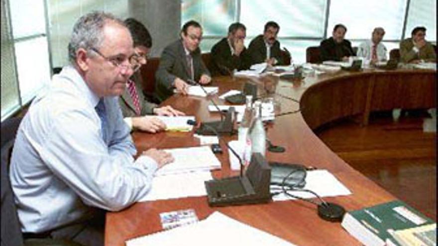Fernando González, en una reunión de la COTMAC de la época. (CANARIAS AHORA)