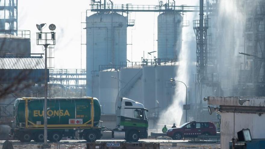 Los Comunes piden la comparecencia de cuatro consellers por la explosión en La Canonja
