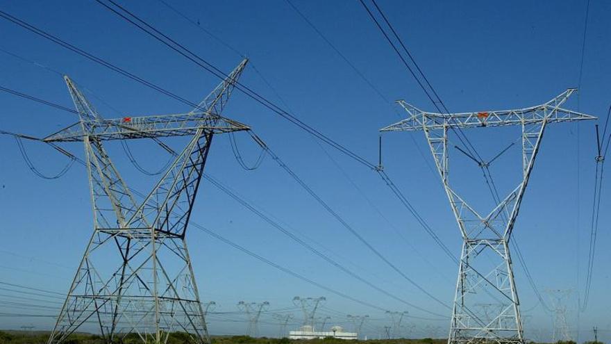 Argentina aumenta los controles sobre distribuidoras eléctricas tras apagones