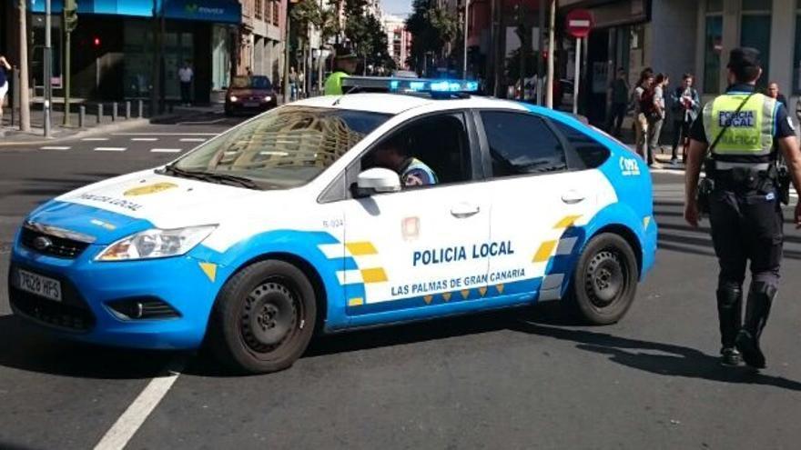Patrulla de la Policía Local de Las Palmas de Gran Canaria. (POLICIALPA.ES)