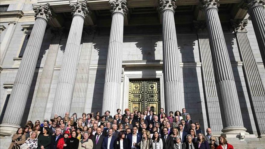 Sánchez pide a Rajoy que eleve la exigencia del Gobierno contra el maltrato