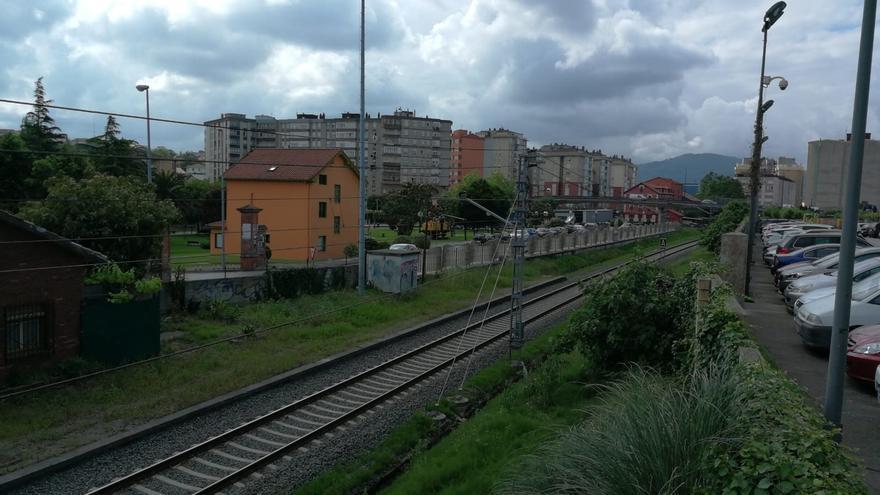 Bolado pedirá a Fomento que asuma el 100% de la inversión para cubrir las vías de ferrocarril