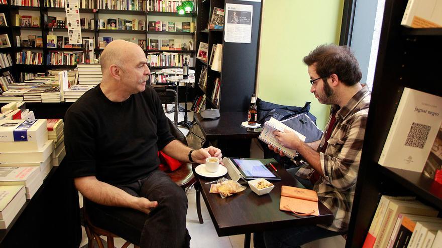 Martin Caparrós, entrevistado por Edu Galán   Foto: Marta Jara