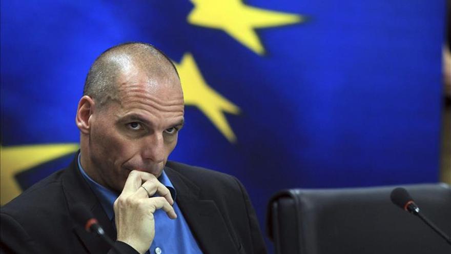 Grecia defiende renegociar la deuda para acabar con su dependencia al crédito
