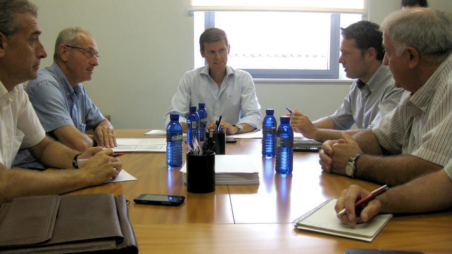 Imagen de la reunión entre los agricultores y la Generalitat