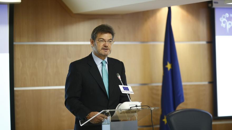 """Catalá avisa de que Gobierno y TC estarán """"muy vigilantes"""" para que se cumpla la suspensión del proceso independentista"""