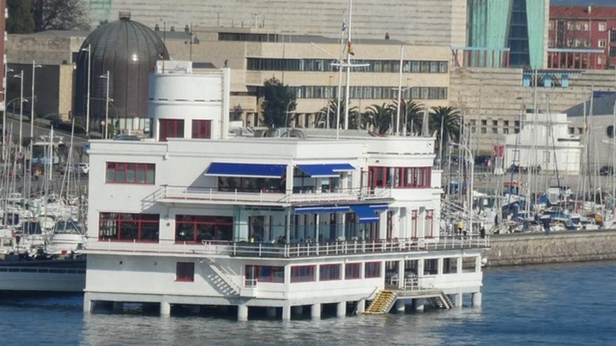 La Autoridad Portuaria da concesión al Club Marítimo para instalar un pantalán flotante