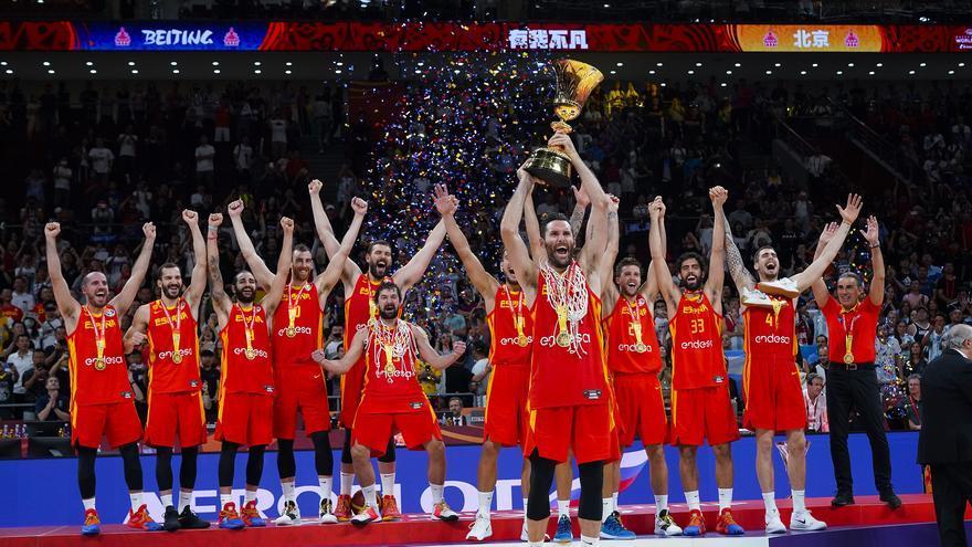 España ganando su segundo Mundial de baloncesto, esta vez en China, 13 años después del de Japón.