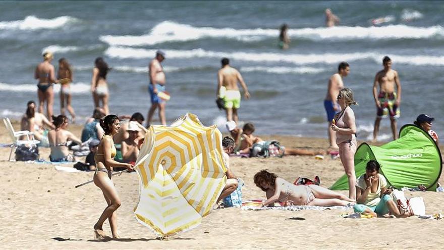 El turismo crecerá este año un 2,4 por ciento por el repunte de la demanda española