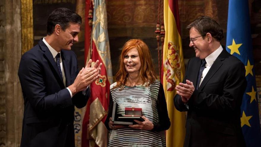 Carmen Alborch flanqueada por el Pedro Sánchez y Ximo Puig en su última aparición pública