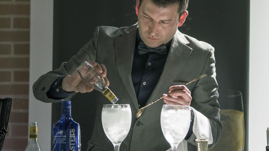 """""""Un buen barman debe tener imagen, profesionalidad, buena memoria, imaginación y capacidad de improvisación"""""""