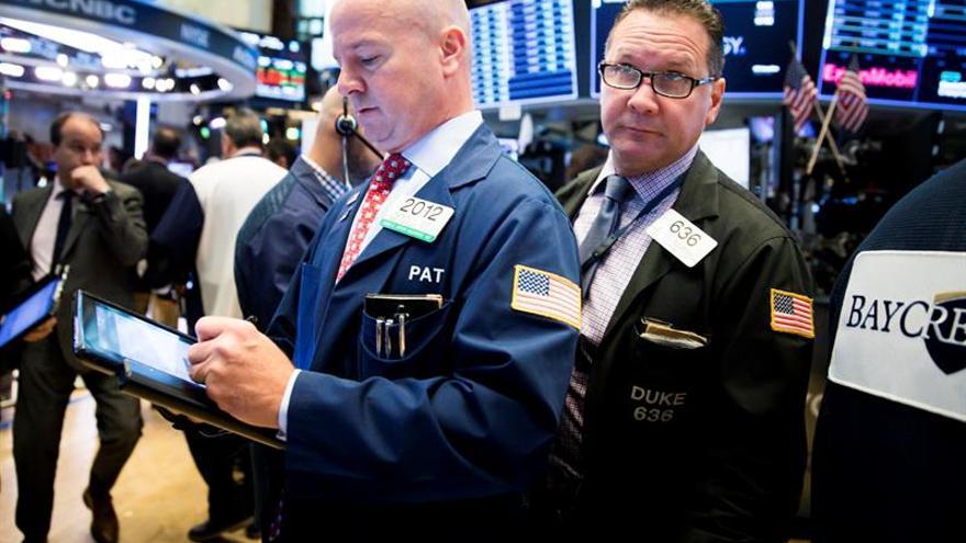 Wall Street abre mixto y el Dow Jones cede un 0,16 %