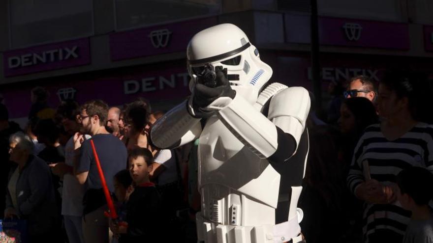 La solidaridad 'friki' de Star Wars invade el centro de Salamanca