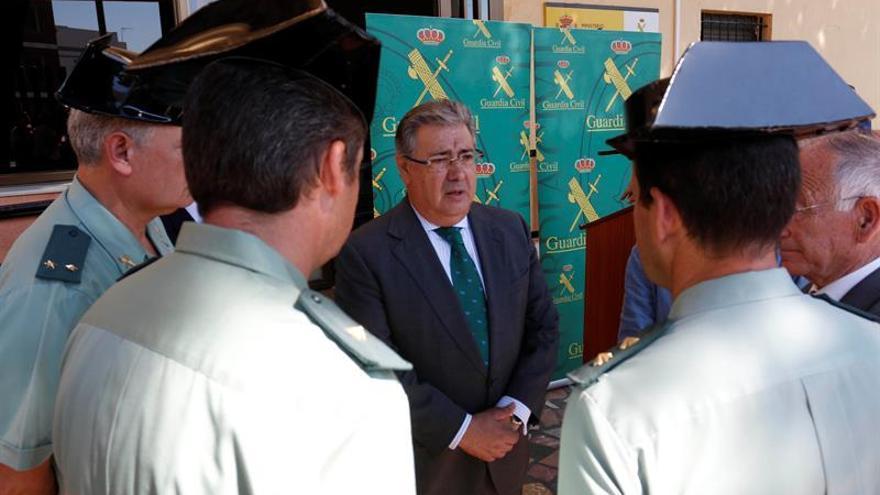 """Zoido apuesta por colaborar con países de origen ante la """"presión migratoria"""""""