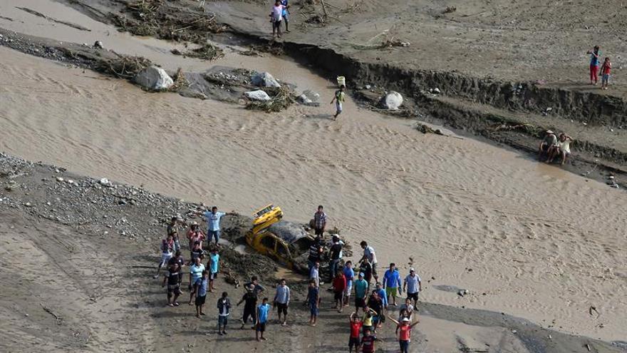 Llegan a Ecuador 71 ecuatorianos y 12 colombianos afectados por las lluvias en Perú
