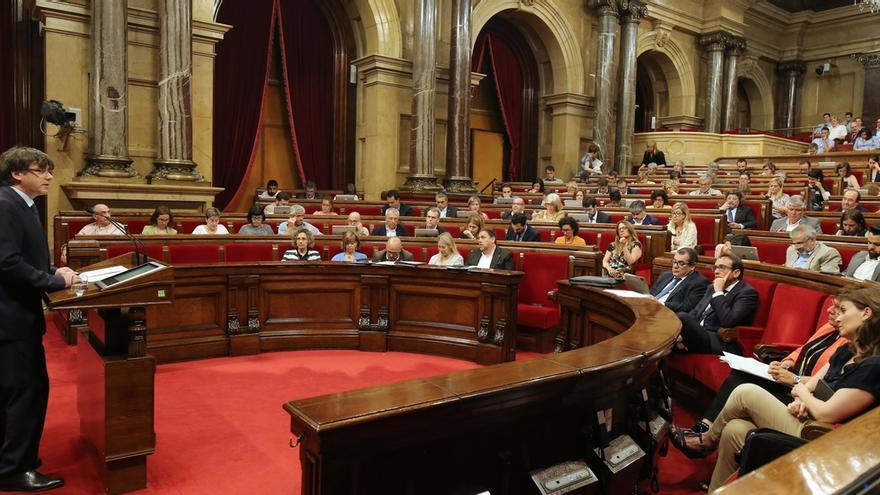 Puigdemont comparecerá el lunes en el Parlament para abordar el 1-O