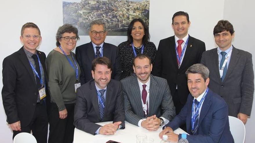La delegación tinerfeña, presidida por Carlos Alonso, en la World Travel Market