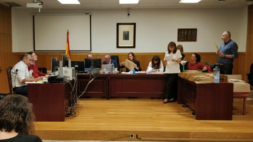 Escrutinio de las actas del 26M en la Junta de Zona de León