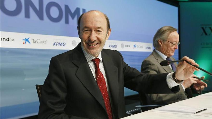 Rubalcaba defiende que el futuro de la banca pública dependa de sus números
