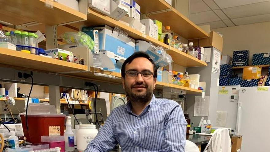 Fotografía personal cedida donde aparece el colombiano Javier A. Jaimes, que a sus 37 años trabaja en el prestigioso centro universitario de Ithaca, Nueva York (EEUU) como investigador de postdoctorado.