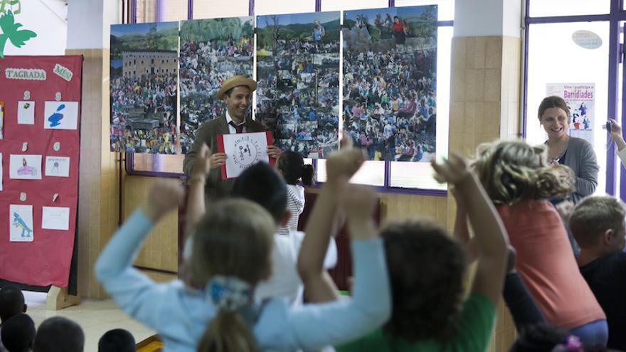 Inauguración de la biblioteca abierta al barrio en Son Gotleu. (Gabriel Pecot/Ayuda en Acción)
