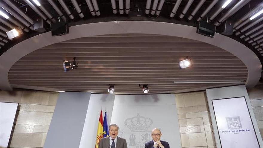 """El Gobierno ve un """"sarcasmo"""" que Puigdemont ofrezca ahora diálogo"""