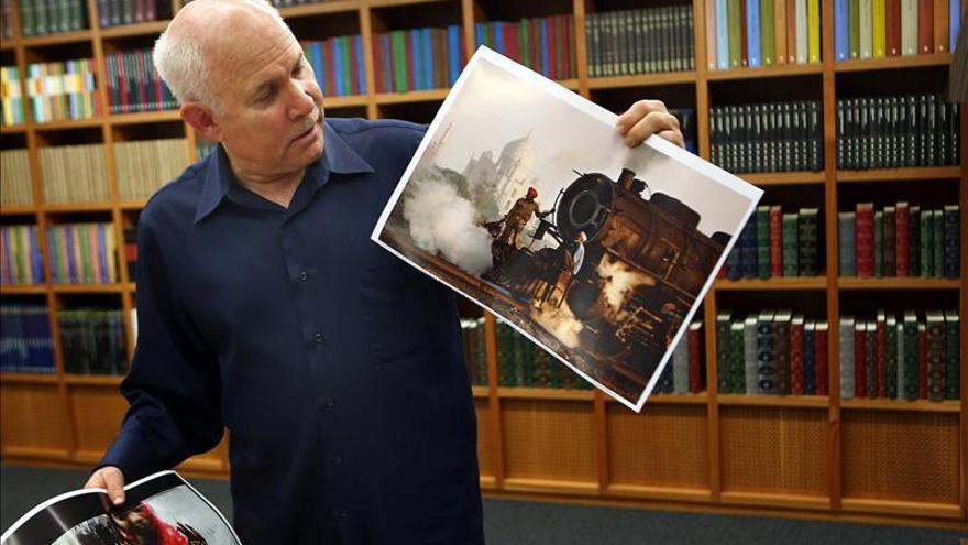 """Steve McCurry dice que la foto de """"la niña afgana"""" concienció en la ayuda a refugiados"""