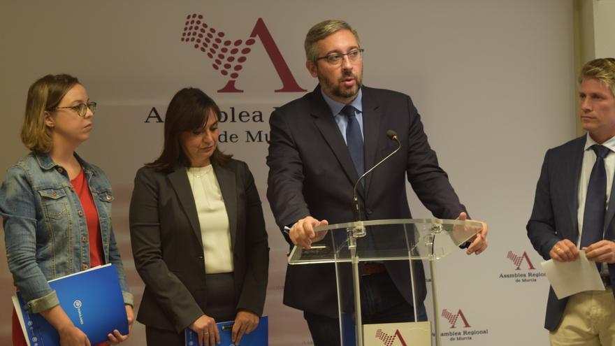 El portavoz popular Víctor Martínez