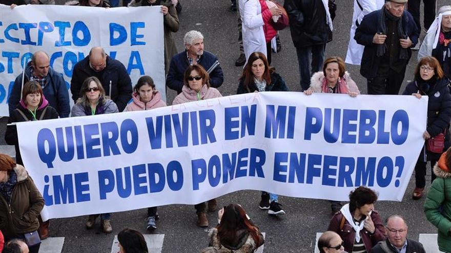 Miles de personas piden en Valladolid mejoras sanitarias para Castilla y León