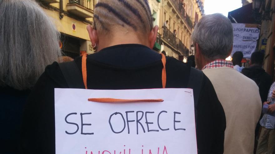 Uno de los carteles que denuncia la gentrificación en el centro de Madrid