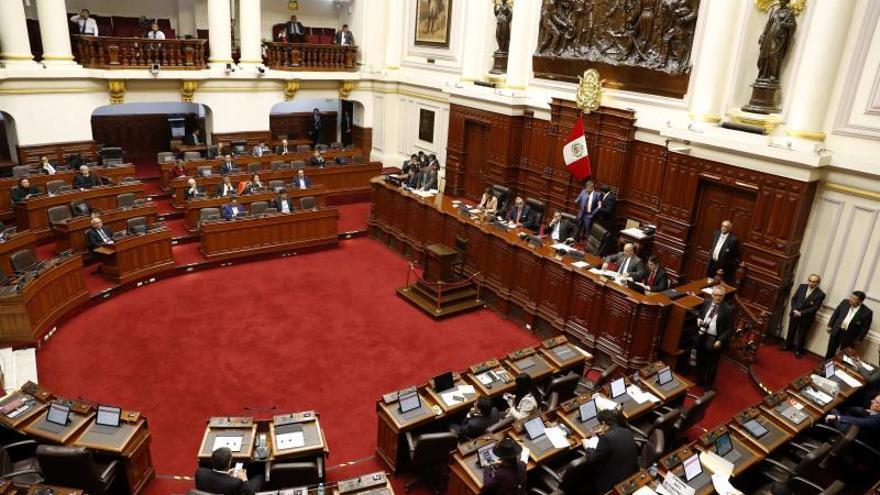 Miembros del Congreso peruano disuelto pueden postularse en enero, dice Jurado