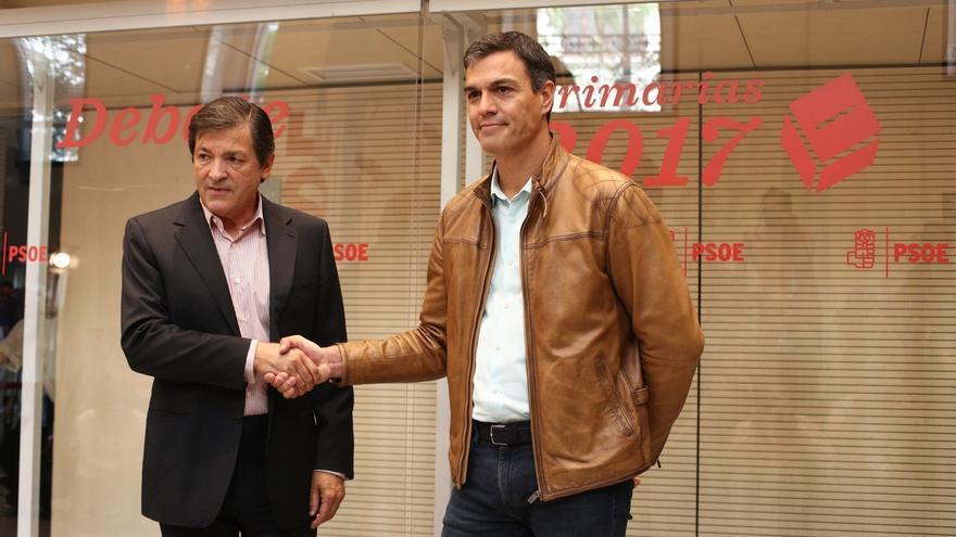Pedro Sánchez hablará hoy con Javier Fernández sobre la posición del PSOE en la moción de censura contra Rajoy