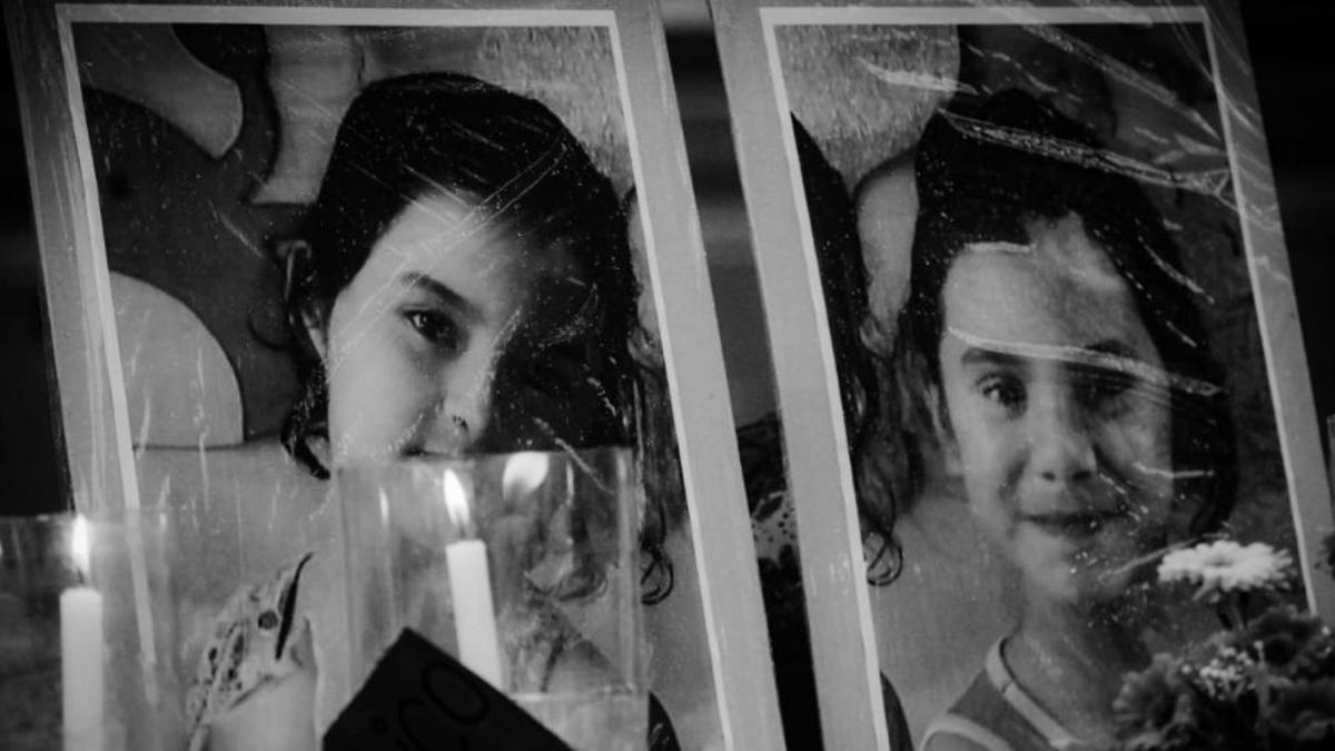 Recuerdo de María Carmen (11) y Lilian Mariana Villalba (11). Eran argentinas y las mataron las fuerzas de seguridad paraguayas en un operativo en un campamento de la guerrilla. Su prima Tania logró escapar y estuvo tres meses perdida en la selva. Hay otra adolescente desaparecida.