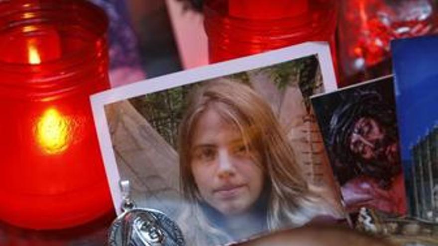 Policía comienza a realizar un análisis ocular en la zanja de Camas dentro de la búsqueda del cuerpo de Marta