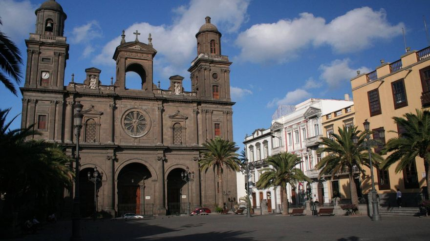 La Catedral preside la Plaza de Santa Ana, centro neurálgico del barrio de Vegueta. VIAJAR AHORA