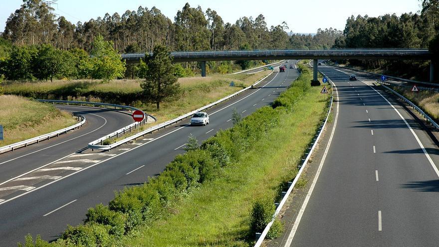 Vista de un tramo de la autopista AP-9, que transcurre entre Ferrol y Tui