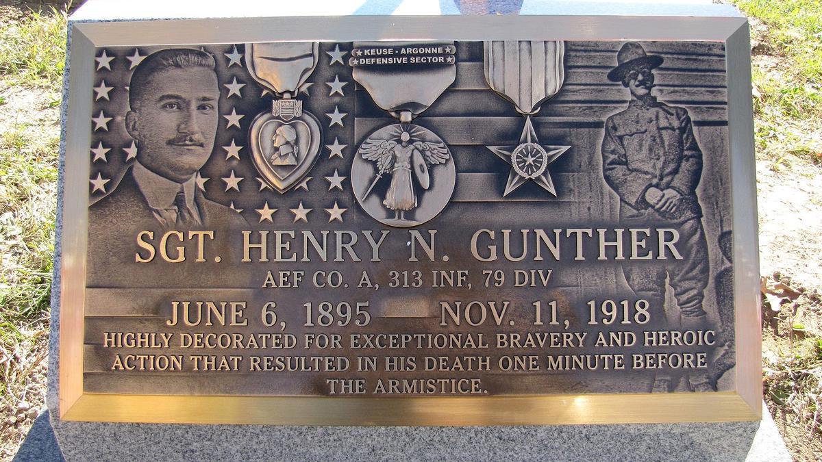 Placa en memoria del último soldado que murió en la Primera Guerra Mundial
