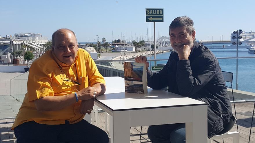 Josep Sorribes (a l'esquerra) i Nèstor Novell, autors de 'Nou viatge pel País País Valencià'.
