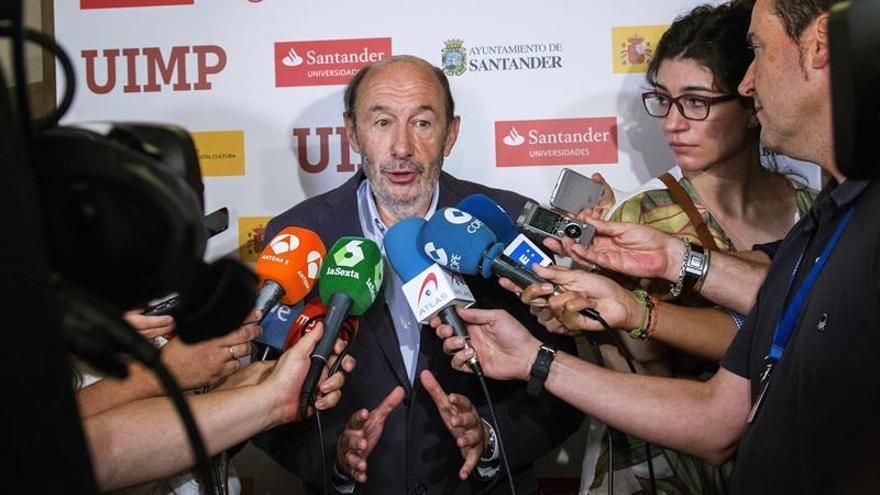 Perez Rubalcaba: El acuerdo para la Mesa de la Cámara dificulta la investidura