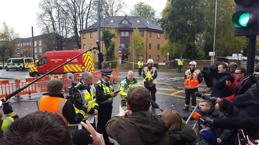 Al menos cinco muertos tras volcar un tranvía en el sur de Londres