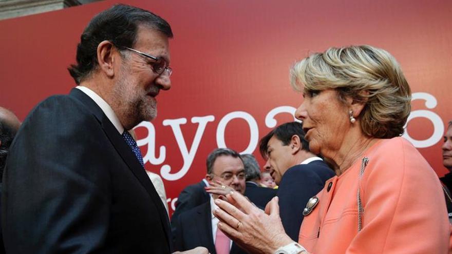 Aguirre insta a Pedro Sánchez a poner en el programa que no pactará con el PP